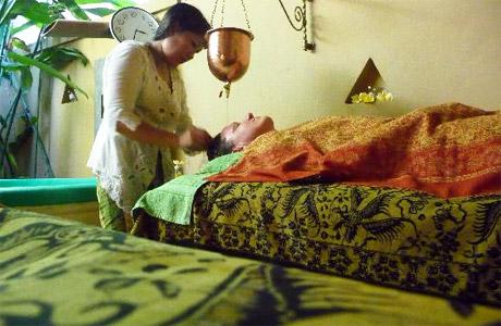 Shirodhara picture