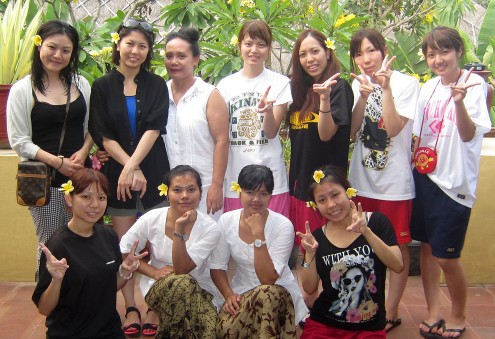 Ryubi Beauty College students spa class